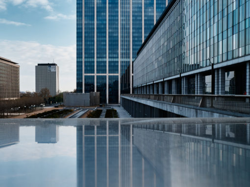 Bruxelles, de béton de verre et d'acier.